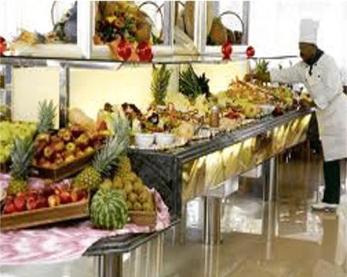 La comida en bufetes en las ofertas de viajes todo incluido