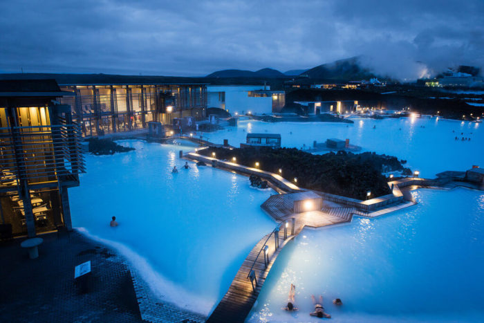 Blue_Lagoon_Geothermal_de noche