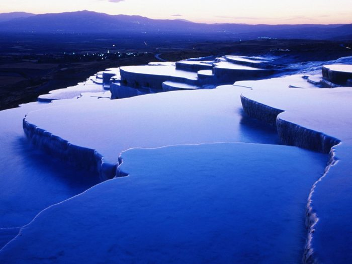 Thermal_Springs_Pamukkale_Turkey.noche
