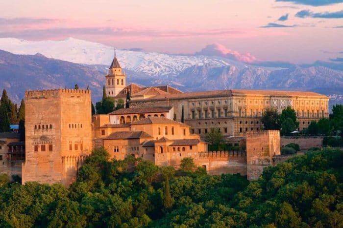 Vista general del complejo de La Alhambra