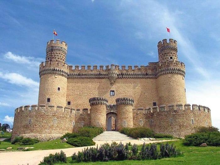 Entrada del Castillo Nuevo de Manzanares el Real