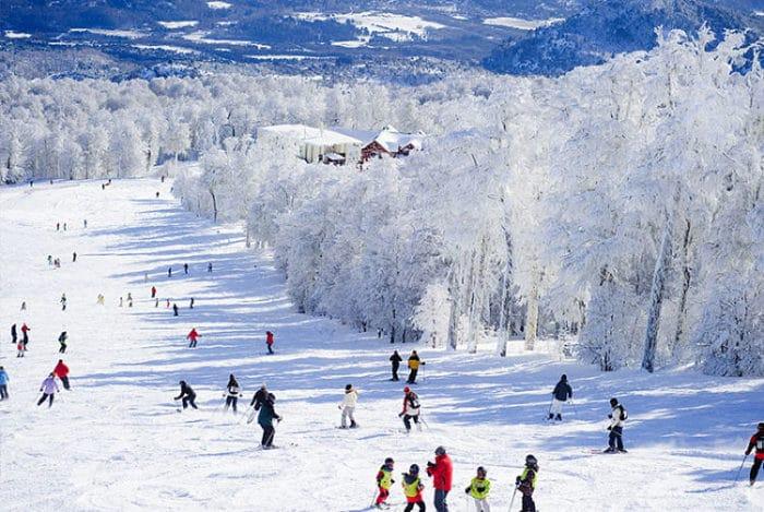 Vista de una de las pistas de esquí de Chapelco