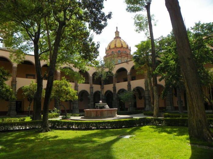 Patio interno del Centro Cultural Ignacio Ramírez