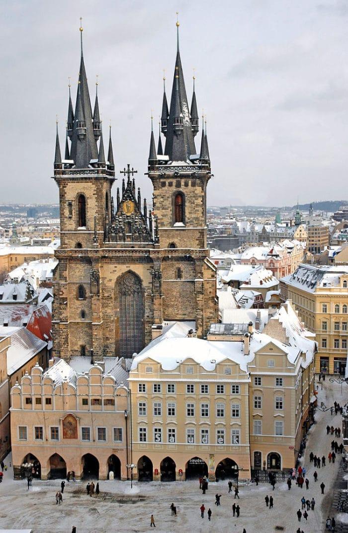 En esta imagen se pueden apreciar las hermosas torres gemelas de la Iglesia
