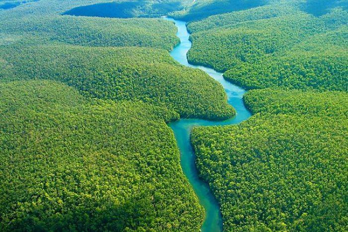 Vista aérea de parte del recorrido de este gigante de Suramérica con su imponente verdor vegetal