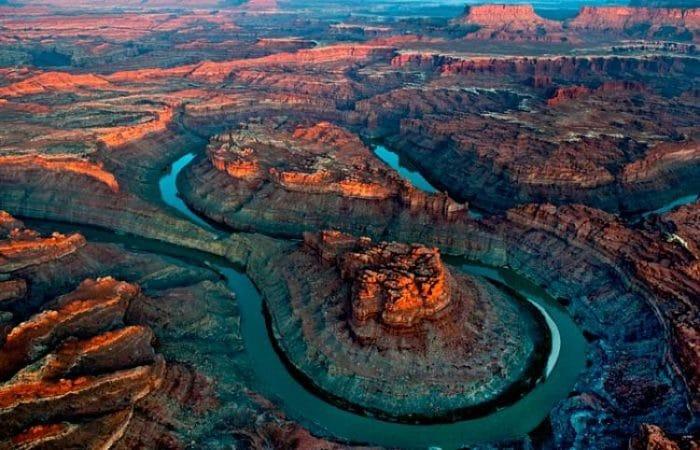 Vista aérea de parte del recorrido del Río Colorado