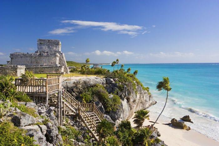 Ruinas de Tulúm en la costa del Mar Caribe