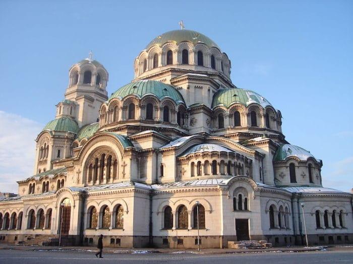 Hermosos edificios de estilo Bizantino colman Sofía en Bulgaria
