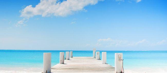 Inigualable vista en la costa de Grace Bay en Islas Turcas y Caicos
