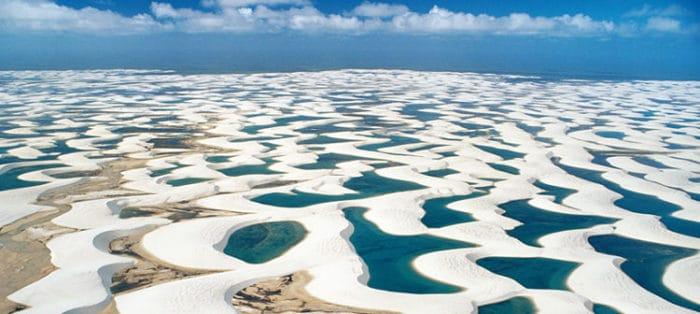 Espectacular vista de las dunas y sus aguas cristalinas