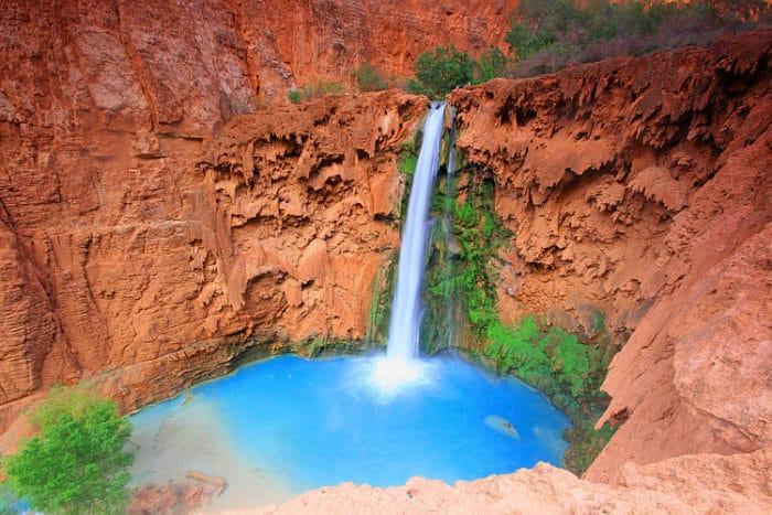 Un paraíso mágico la Catarata Mooney en la Reserva Havasupai