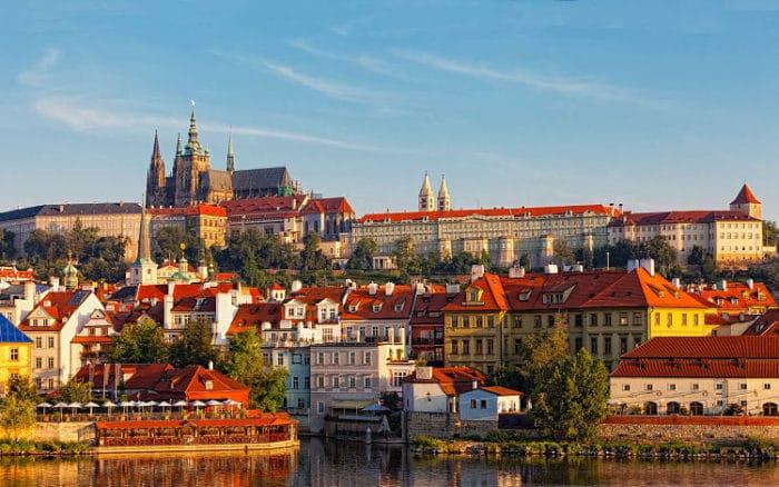 Hermosa vista panorámica de la ciudad de Praga