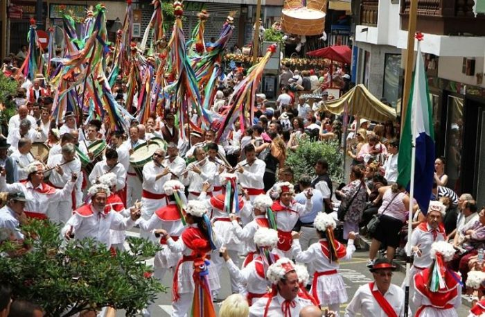 Procesión de San Roque por las calles de Garachico