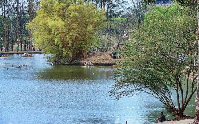 Uno de los lagos del Parque Metropolitano La Sabana en San José