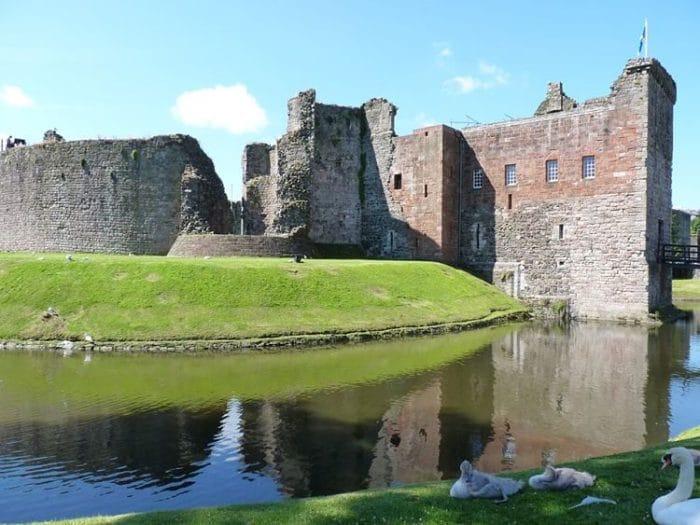 Castillo Rothesay del siglo XIII en la Isla de Bute