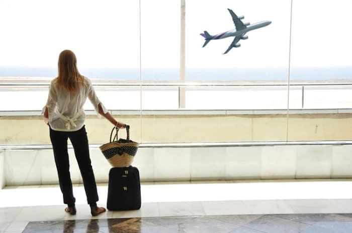 Toma en consideración los viajes con escalas para abaratar costos