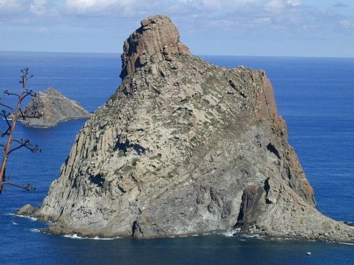 Vista de los dos Roques de Anaga