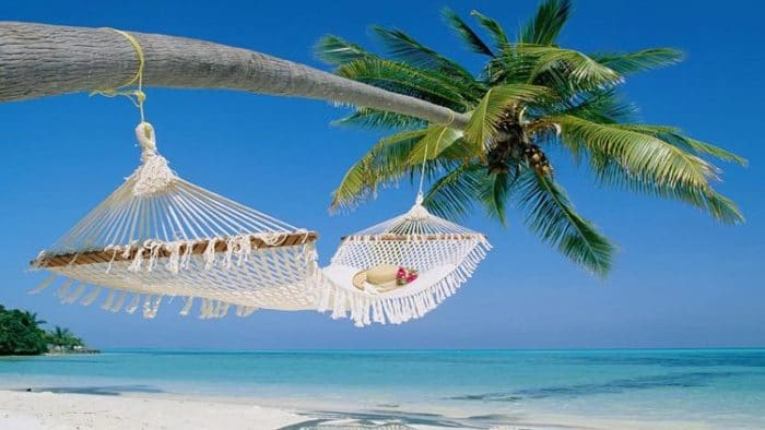 Tú y tu nuevo esposo pueden relajarse en las costas de Aruba