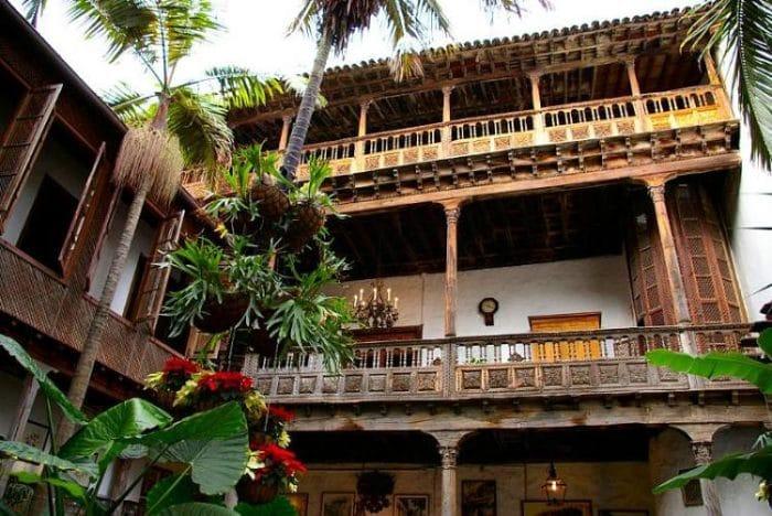 Vista desde el patio central de la Casa de los Balcones
