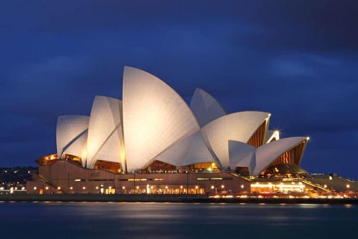 La Ópera de Sidney domina la Bahía con su imponente estructura