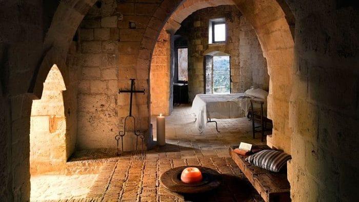 Una de las habitaciones del Sextantio Le Grotte della Civita