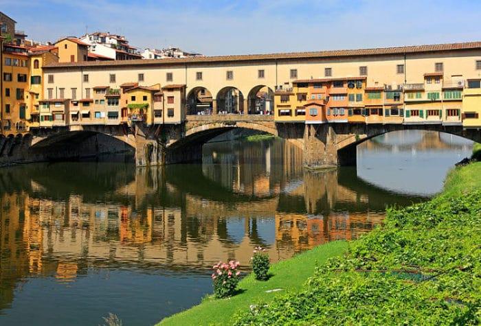 Ponte Vecchio en Florencia, Italia.