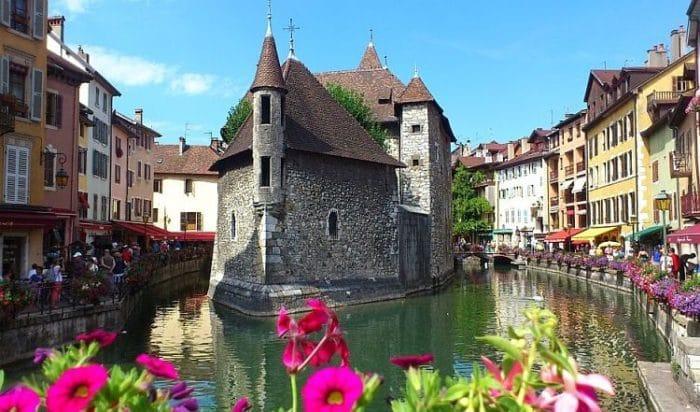 Uno de los canales de Annecy