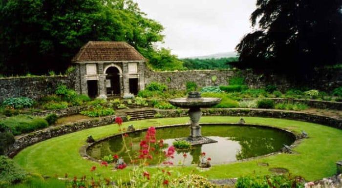 Una de las apacibles áreas del Jardín Botánico Nacional en Dublín