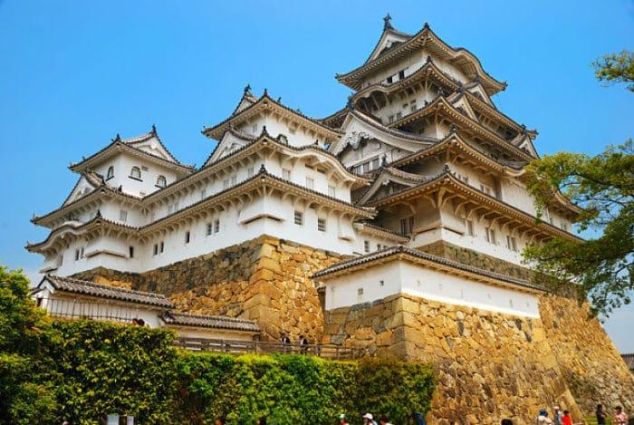 Imponente vista del castillo samurai Himeji