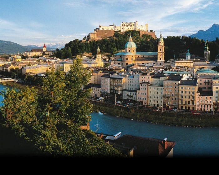 Bella panorámica de parte de la hermosa Salzburgo