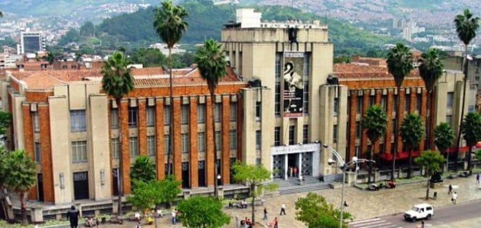 Fachada del Museo de Antioquia