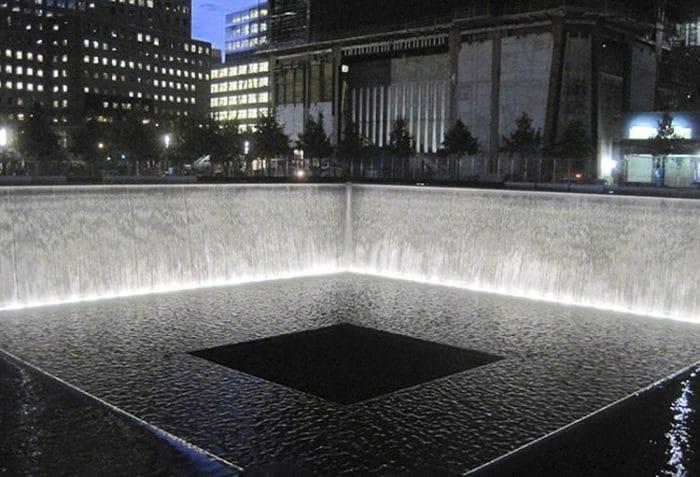Una de las piscinas del Monumento del 11 de Septiembre