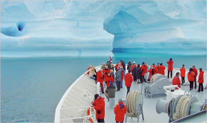 Uno de los cruceros de ecoturismo hacia la Antártica