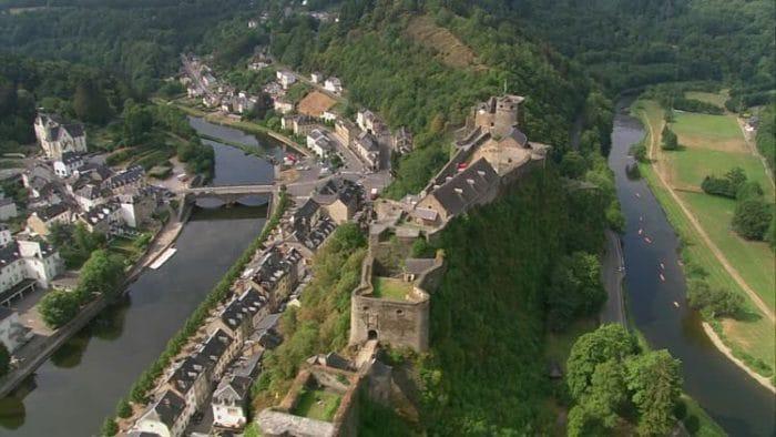 Vista aérea del Castillo de Bouillon