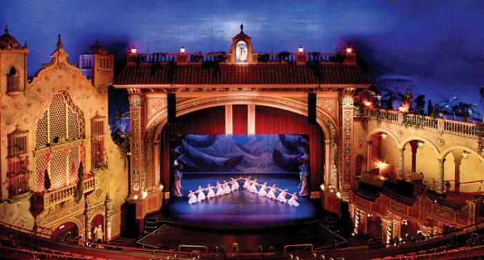 Escenario del Teatro Olympia en Miami
