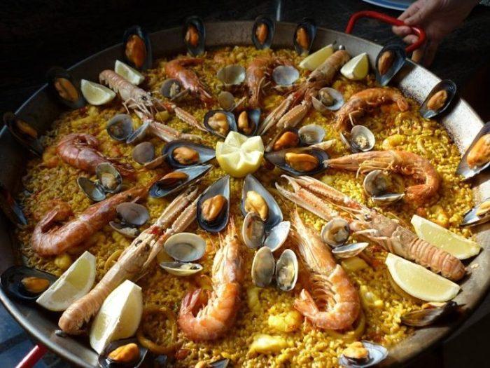 Paella, uno de los platos típicos españoles