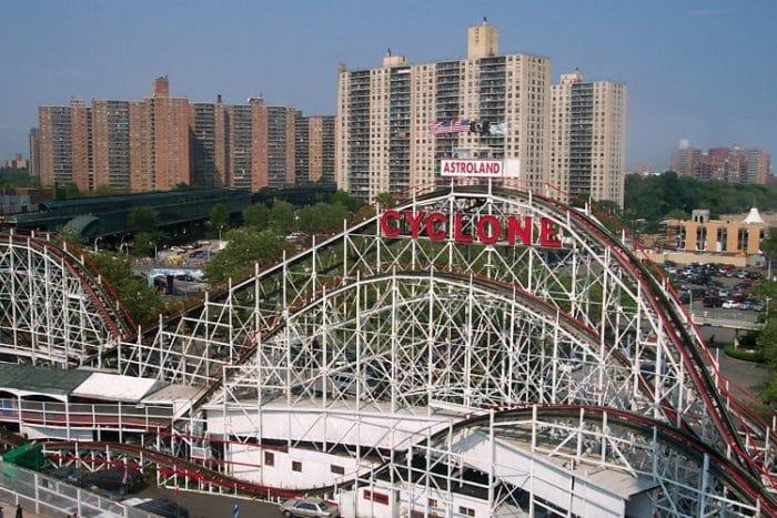 Cyclone. Montaña Rusa de Luna Park en Coney Island