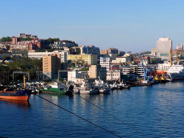 Vista costera de la ciudad de Vladivostok