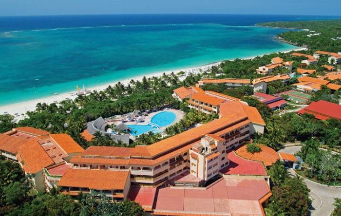 Complejo Hotelero Sol Río de Luna y Mares y costas de Playa Esmeralda