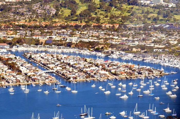 Imagen de la Pequeña Balboa, una de las Islas artificiales de Balboa en California