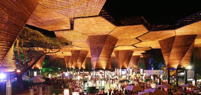 La estructura conocida como Orquideorama del Jardín Botánico de Medellín