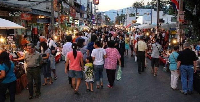 Mercado de los domingos en Chiang Mai