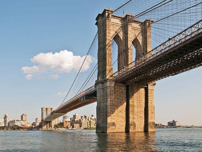 El imponente Puente de Broklyn