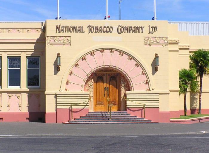Fabrica de tabaco. Una de las muestras de arquitectura Art Deco de Napier