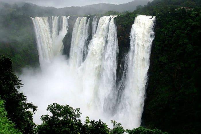 Fabulosa vista de las Cataratas Jog en India