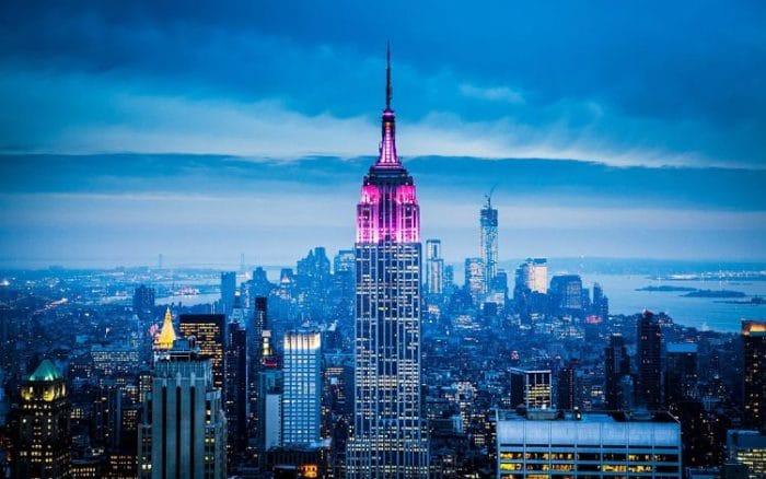 Vista del hermoso Empire State, icono del horizonte neoyorquino