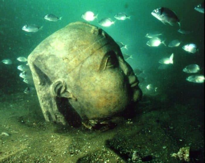 Una de las estatuas encontradas en Alejandría