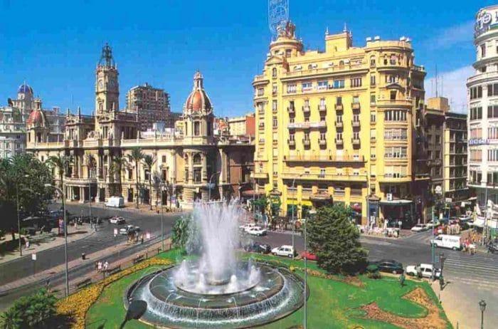 Vista de la Plaza del Ayuntamiento de Valencia