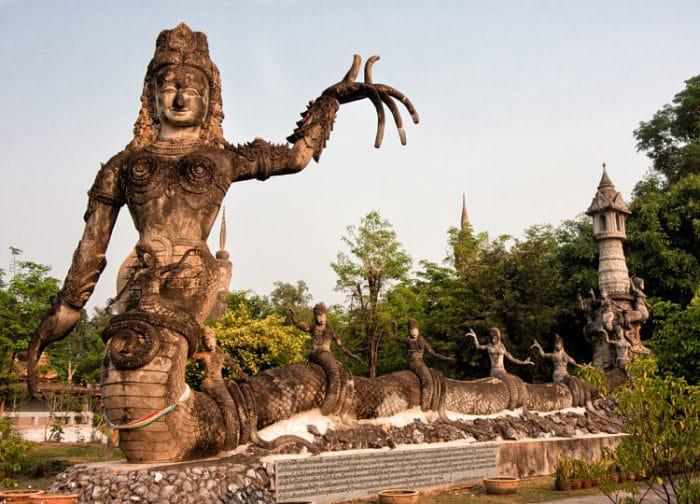 Una de las estatuas que se pueden ver en Sala Keoku