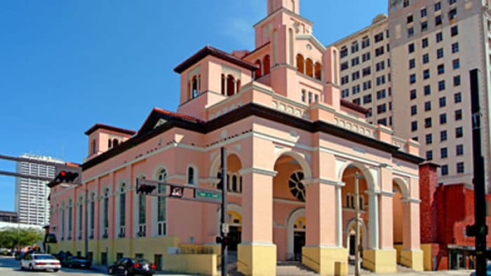 Exterior de la Iglesia Gesu